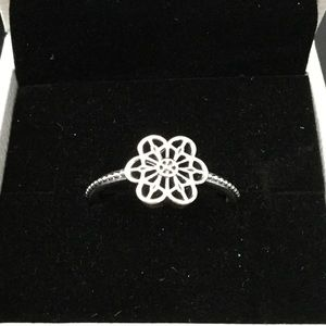 Pandora Floral Daisy Lace Ring Size 8